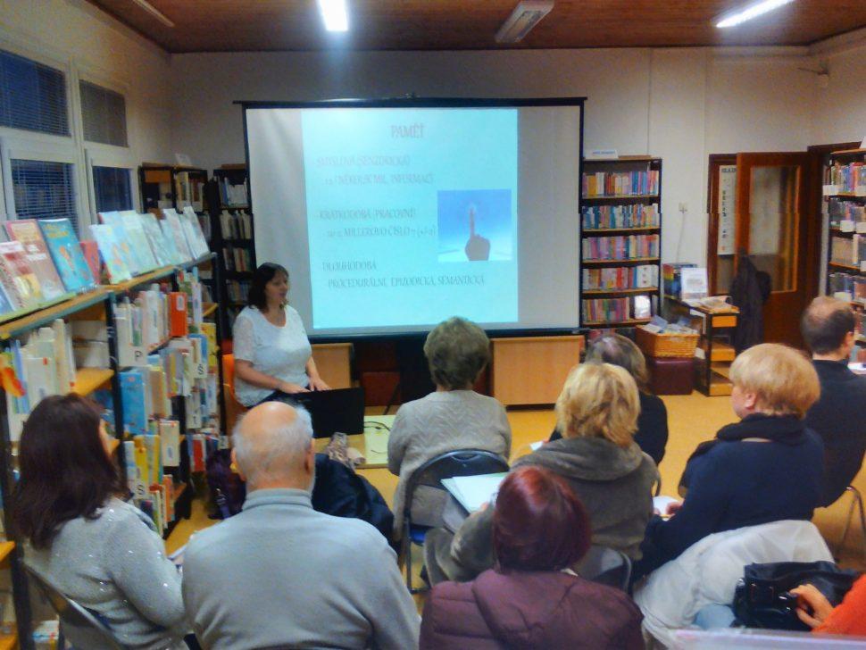 přednáška o paměti v knihovně